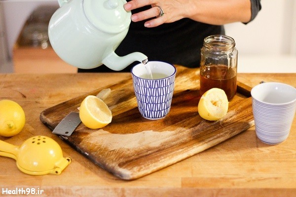 حفظ سلامتی با نوشیدن آب گرم